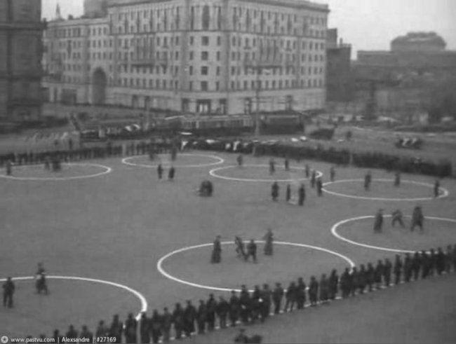Москва в 1942 році (22 фото)