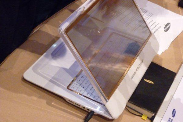 Ноутбук з прозорим OLED-дисплеєм від Samsung (5 фото)